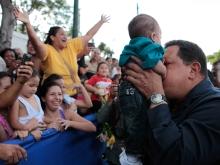 Chávez ejece su derecho al voto