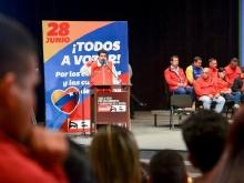 Maduro con precandidatos