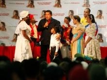 Presidente Chávez comparte con artistas en el encuentro preparatorio del Congreso Bicentenario de  Estudiantes