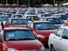 Presidente Hugo Chávez entregó 667 vehículos a las familias venezolanas