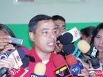 Rafael Isea, Gobernador del Estado Aragua y Jefe del Comando Regional Bolívar 200, ofrece declaraciones durante el simulacro.