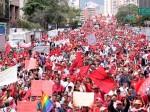 El pueblo marchó para conmemorar el 27F de 1989, fecha en que los venezolanos libraron la primera batalla contra el neoliberalismo. Foto: AVN.