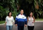 Chávez junto a María Gabriela y María Virginia