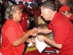 Arias Cárdenas entrega las viviendas al Pueblo más necesitado
