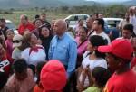 Luis Reyes Reyes visitó el terreno ubicado en el sector Carorita y escuchó a la comunidad