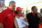 Junto a Diosdado Cabello, Mata Figueroa entrega donativos a niños especiales de Península de Macanao / Foto: CCC Nueva Esparta.