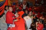 El candidato revolucionario ramón Rodríguez Chacín recibió de la mano del pueblo las propuestas que serán enviada a la Asamblea Nacional.