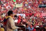 El hijo de Chávez, Nicolás Maduro, junto al pueblo.