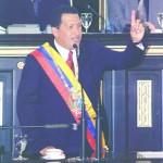 Presidente Chávez durante la toma de posesión, luego de su relegitimación en el año 2000.